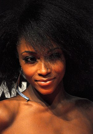 Helping Hand (Body of Proof) - Yaya DaCosta (pictured) played Holly Bennett, this episode's murderer.