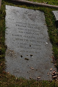 Yngvar Nielsen, gravminne på Vår Frelsers gravlund, Oslo.JPG