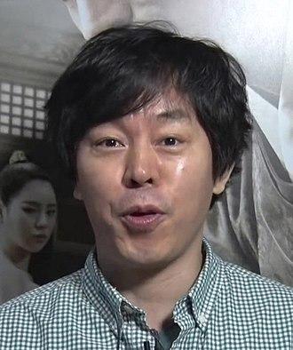 Choi Deok-moon - Image: (간신) 레드카펫&VIP시사회 영상 (최덕문)