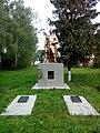 Дві братські могили 48 радянських воїнів, що загинули у вересні 1943 Вершинова Муравійка 74-227-0044 01.jpg