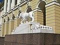 Михайловский дворец, львы у входа03.jpg