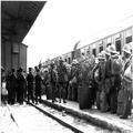 אורון נושאים- החלפת כוחות צבא בתחנת הרכבת בירושלים ( 21.12.1933) . הגעתו של ה-1-PHO-1355313.png