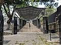 כניסה לקבר רמבם טבריה.jpg