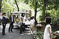 นางพิมพ์เพ็ญ เวชชาชีวะ ภริยา นายกรัฐมนตรี ณ Singapore Botanic Gardens - Jacob B - Flickr - Abhisit Vejjajiva (32).jpg