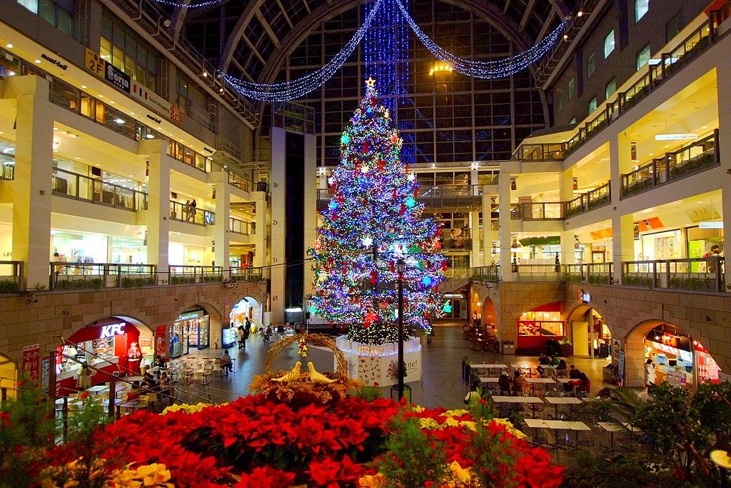 サッポロファクトリー ジャンボクリスマスツリー (Sapporo Factory) - panoramio
