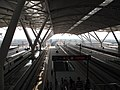 廣州南站月台 Platforms of Guangzhou South - panoramio.jpg