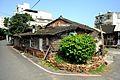 木とレンガの家 (32143265824).jpg