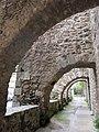 071 Santa Maria de Camprodon, contraforts del mur oest.JPG