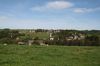Condroz - Image: 0 Chevetogne Village (1)