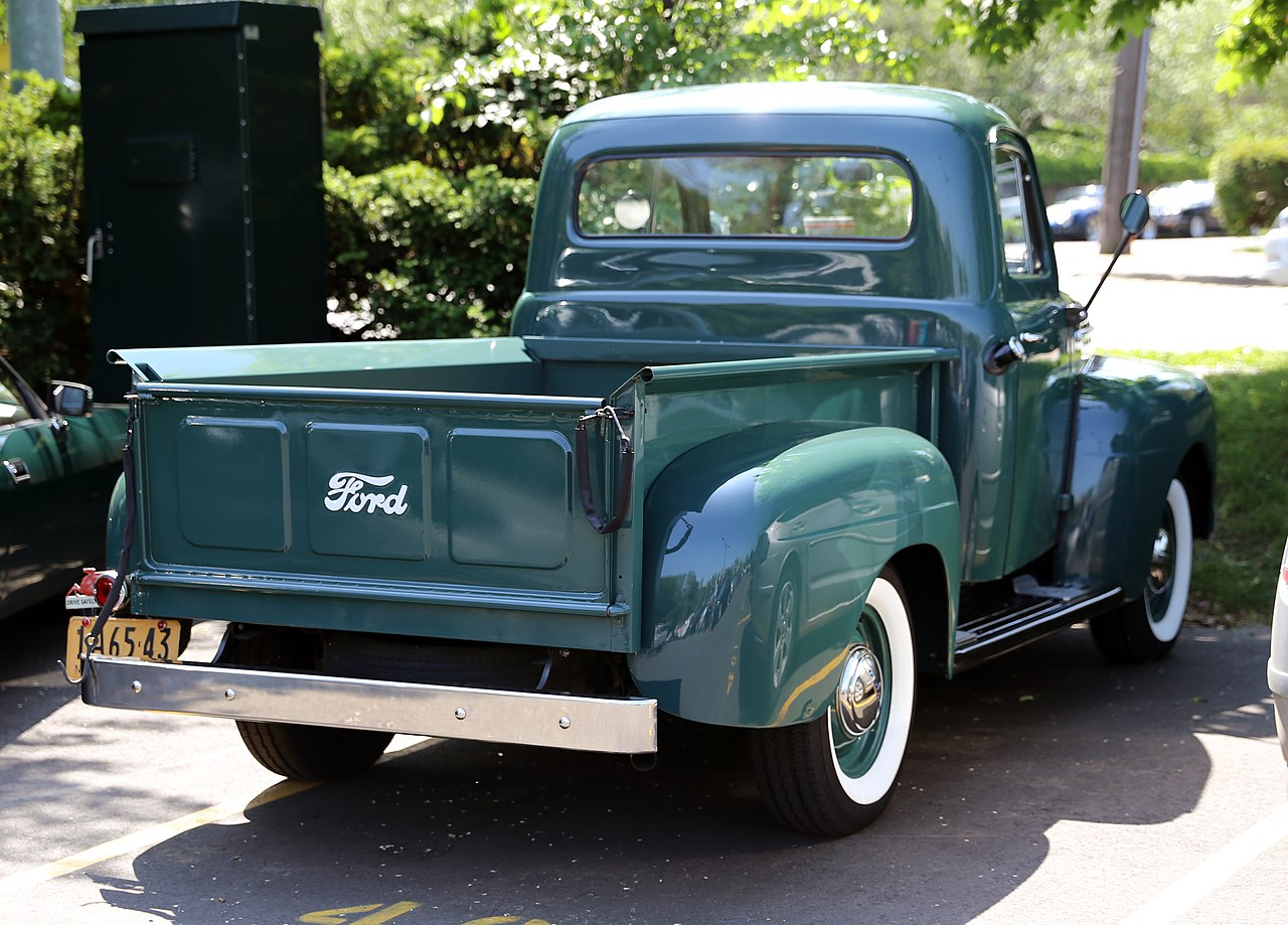 File 1951 Ford F1 Or F2 In Greenwich Jpg Wikimedia Commons