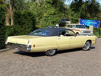 Vinyl roof - 1972 Chrysler Imperial Le Baron