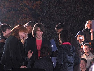 Patti Scialfa - Scialfa with her family and the Obamas at a 2008 campaign rally in Cleveland