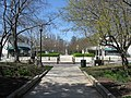 2008 04 02 - Greenbelt - Centerway pedestrian path 5.JPG