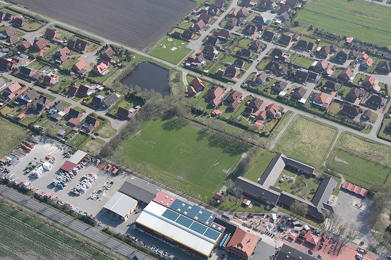File:2013-05-03 Fotoflug Nordholz Papenburg HP 2903.JPG