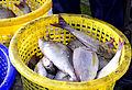 201304110751b Nam Khem Pier Fischmarkt.jpg