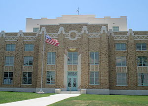 La Salle County, Texas - Image: 2013 La Salle County, TX Courthouse photo IMG 7718 1