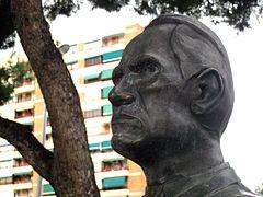 271 Monument a César Vallejo, pg. Urrútia.jpg