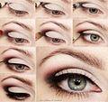 5-pasos-para-resaltar-tu-mirada-con-maquillaje-300x283.jpg