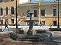 6-я линия ВО, 15 - оба здания и фонтан.jpg