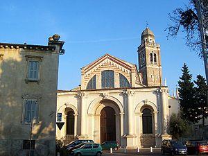 Santa Maria in Organo, Verona - Facade and bell tower of Santa Maria in Organo.