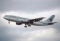 95do - Qatar Airways Airbus A300-622R; A7-ABN@LHR;01.06.2000 (5669142979).jpg