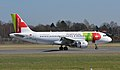 Airbus A319-111 (CS-TTD) 02.jpg