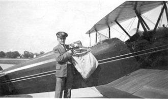 Airmail - Loading airmail, late 1930s, Detroit