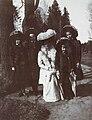 Alexandra Fyodorovna with daughters in the Pavlovsk Park.jpg