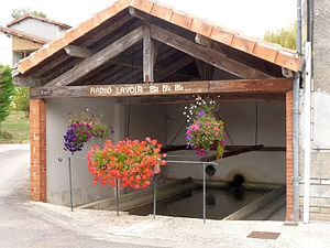 Alloue - The covered Lavoir or public laundry