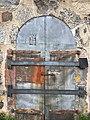 Ammusvaraston ovi Vallisaaressa 2.jpg