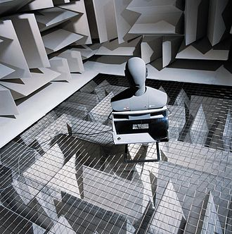 Tension grid - Close-up of an anechoic chamber tension grid from above