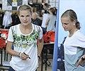 Anna und Lisa Hahner bei der Olympia-Einkleidung Hannover 2016 (Martin Rulsch) 03.jpg