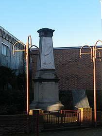 Annezin - Monument aux morts.JPG