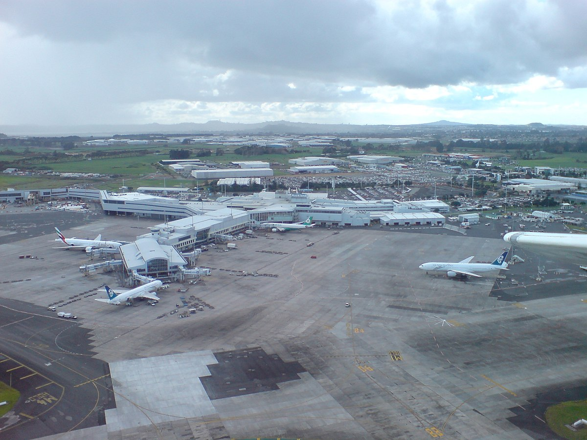 Auckland Airport - Wikipedia