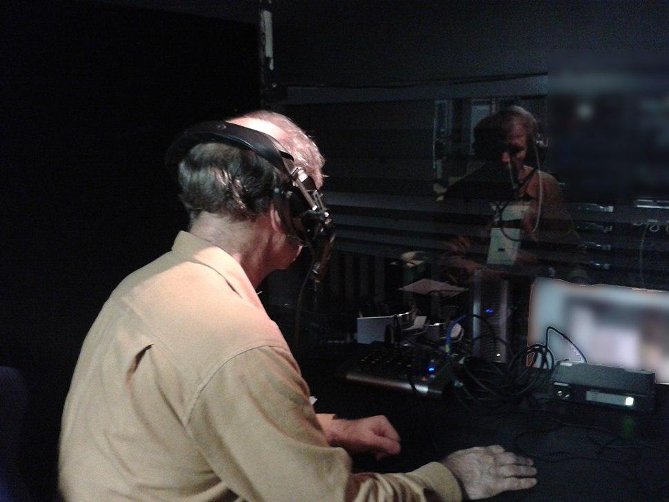 Audio describer in live theater