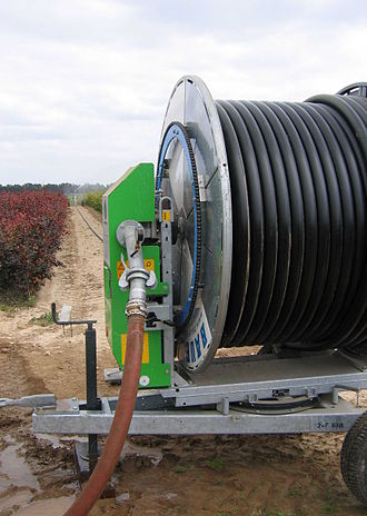 Reel - An irrigation reel with travelling sprinkler