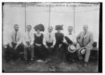 Aviators with their wives in Pittsburgh 1909.png
