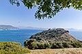 Baba Adasi Insel mit Blick auf Sarigerme, Türkei (49070985692).jpg