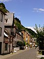 Bacharach – links das historische Utsch-Haus in der Koblenzer Straße - panoramio.jpg