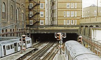 Baker Street tube station - Metropolitan line platforms