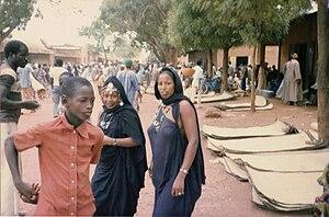 Banamba - Fulani women at the Monday market in Banamba