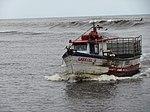 Barco Gabriel V entrando no Rio Mampituba.JPG