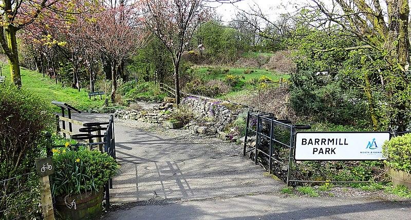 File:Barrmill Park entrance, Barrmill, North Ayrshire.jpg