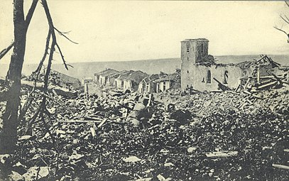 Beaumont - World War I war damage (16100673337).jpg