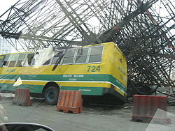 external image 250px-Billboard_structure_crushes_a_bus_during_Typhoon_Xangsane.jpg