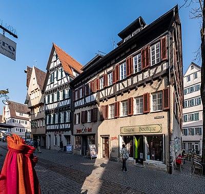 Blick in der Kornhausstraße in Tübingen von der Hirschgasse aus 2019 001.jpg