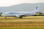 Blue Air, YR-BAC, Boeing 737-377 (19402144018) (2).jpg
