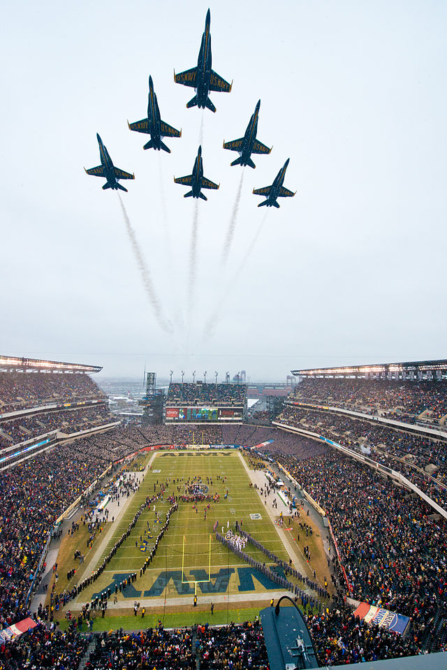 Blue Angels fly over Army-Navy game 131214-N-SN160-032