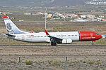 Boeing 737-86N(w) 'LN-NOI' Norwegian (24529889579).jpg