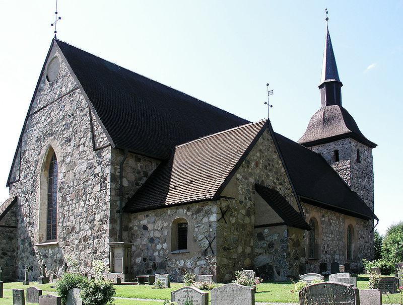 Botkyrka kyrka View02.jpg